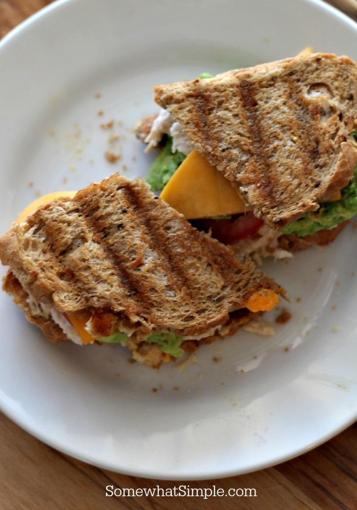 grilled_chicken_salad_sandwich_2