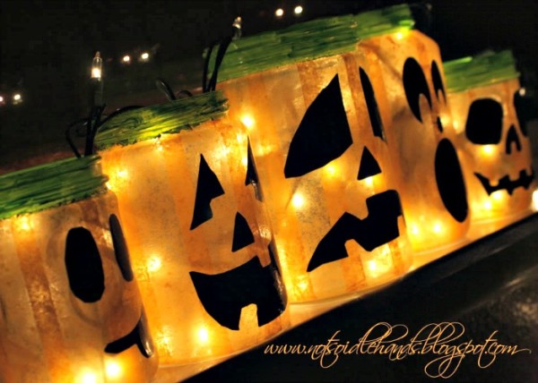 glowing halloween jars 1