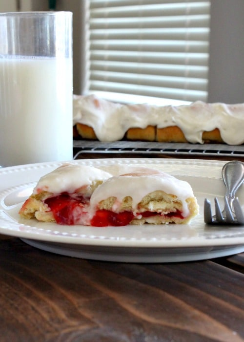 braided strawberry cream cheese bread 1