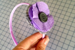 how_to_make_a_fabric_flower_1