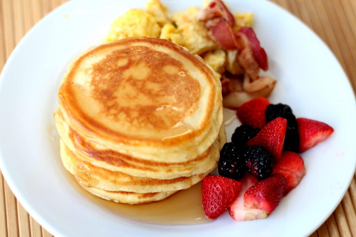 easy recipe for the best pancakes somewhat simple. Black Bedroom Furniture Sets. Home Design Ideas