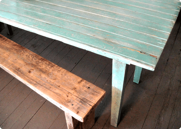 Three easy steps to easily whitewash a wood table