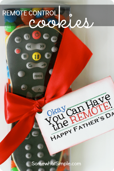 This remote control cookie is the perfect Father's Day gift. #fathersdaycookie #fathersdaygift #fathersdayrecipe #fathersdayidea via @somewhatsimple