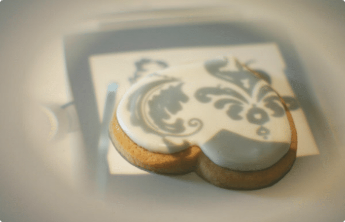 2 damask cookies