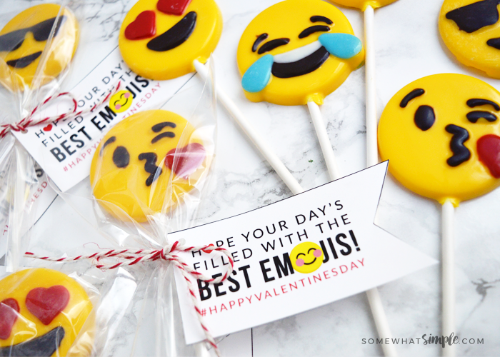 How to Make Chocolate Emoji Suckers + Free Printables