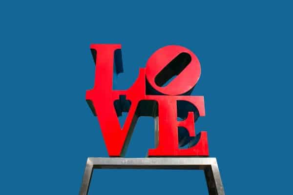 love-statue-philadelphia-600