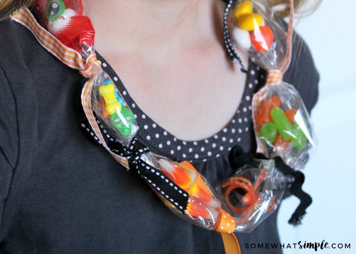 halloween-treasure-necklace-1