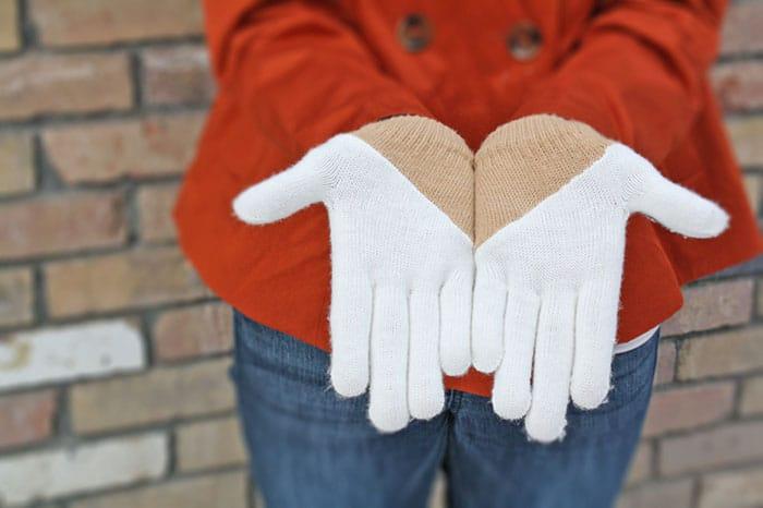 color-blocked gloves