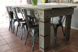 reclaimed wood table 1