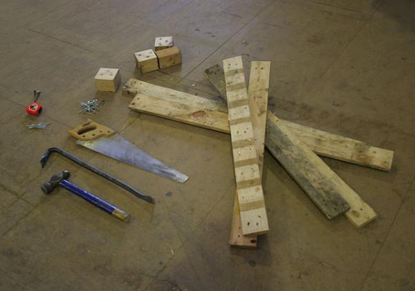 1 dismantle the pallet