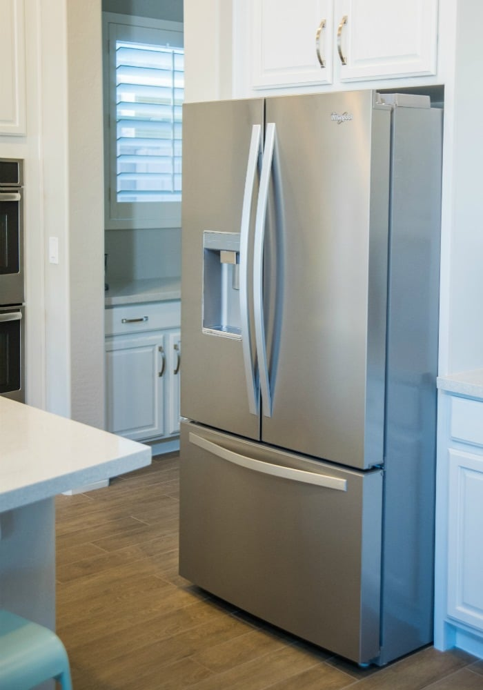 how-to-clean-your-refrigerator-8