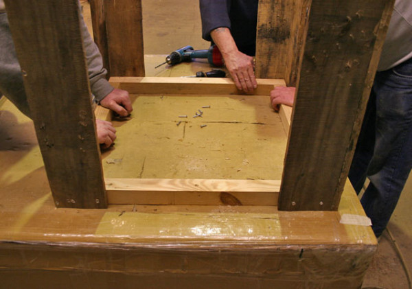 wooden-pallet-table-4