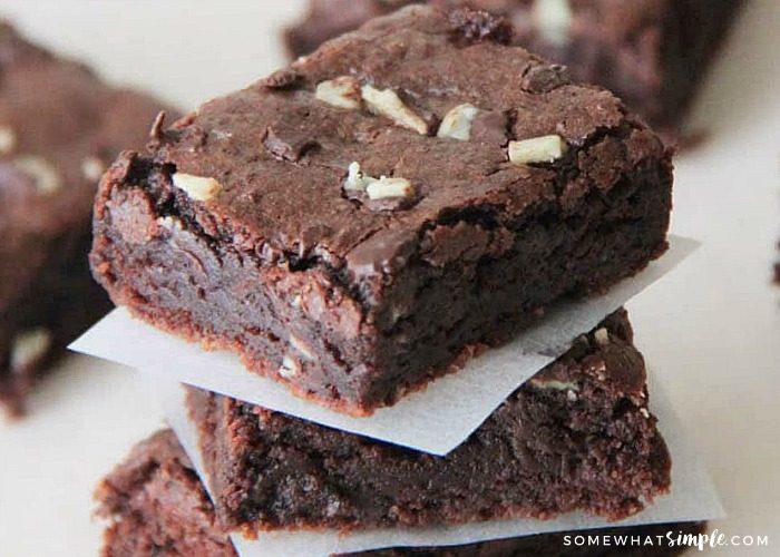 Easy Mint Brownies Recipe – Creme de Menthe Brownies