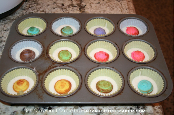 Easy Polka Dot Cupcakes_Drop into Cupcakes