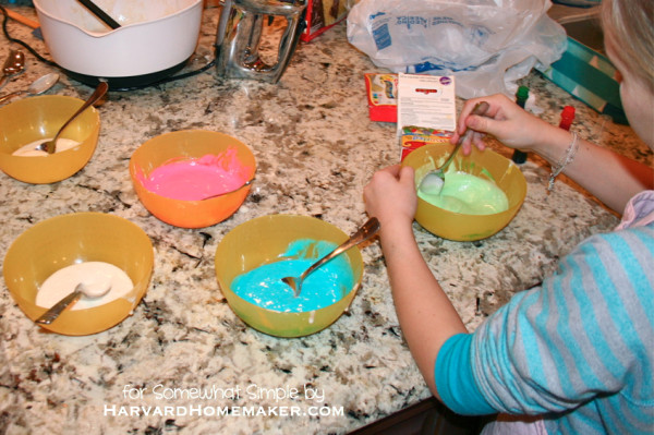 Easy Polka Dot Cupcakes_Kids Can Help