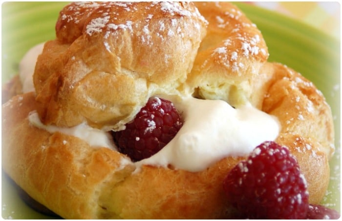 raspberry_cream_puffs