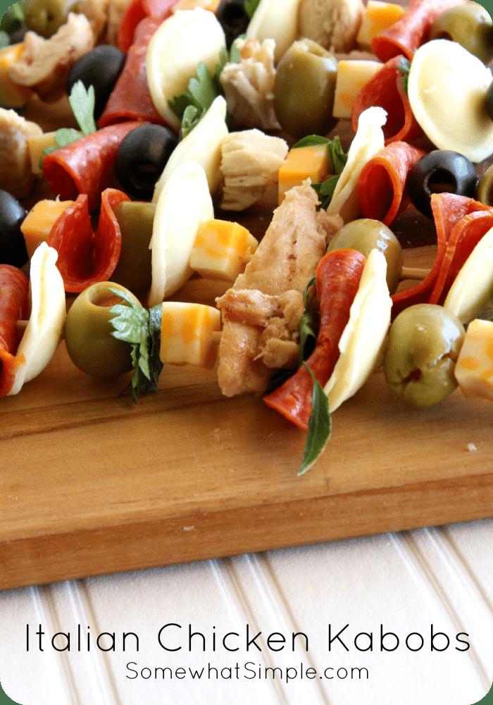 Italian Chicken Kabobs via @somewhatsimple