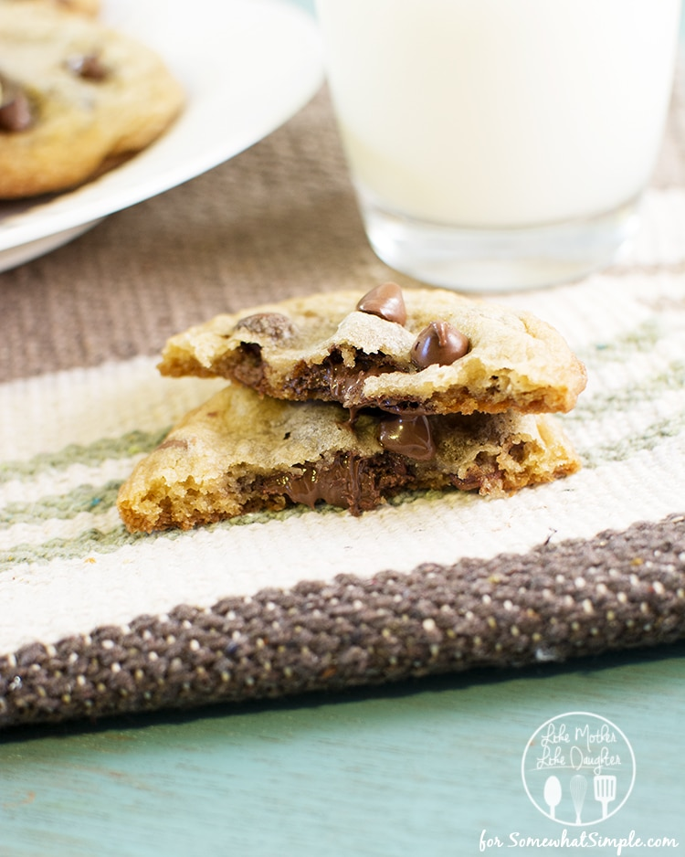 nutella stuffed chocolate chip cookies3
