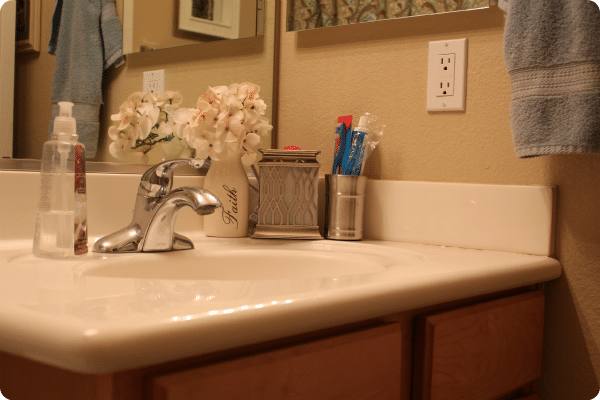 6 guest_bathroom