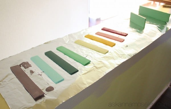 DIY-Xylophone-from-paint-sticks-4