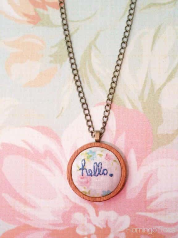 diy-hello-embroidered-pendant-necklace-15