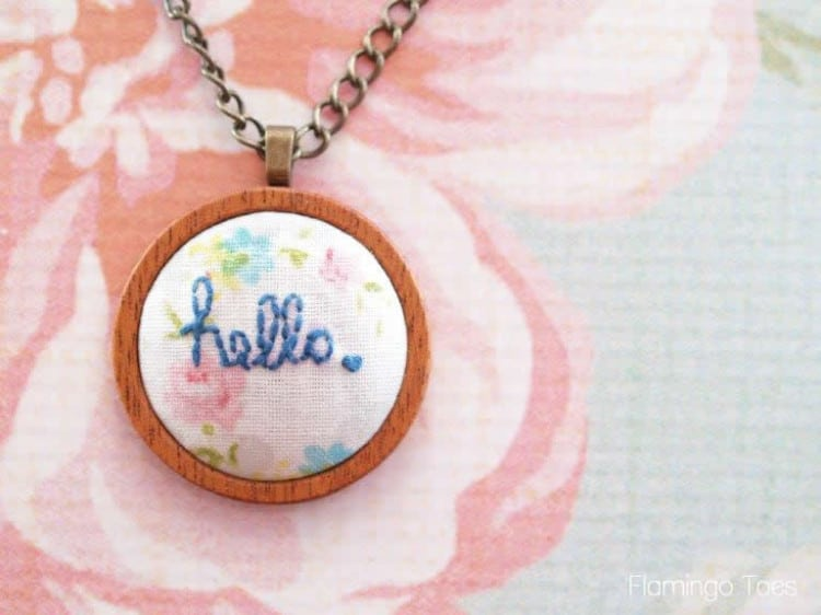 diy-hello-embroidered-pendant-necklace-2