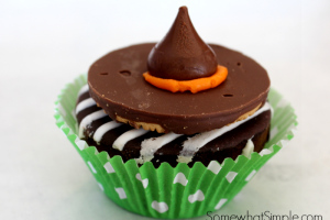witches_hat_cupcake_1