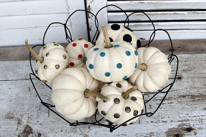 small-white-pumpkin-decorating-ideas-Petticoat-Junktion_thumb