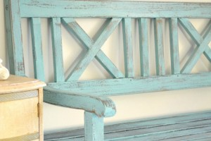 ways to decorate with benches 1