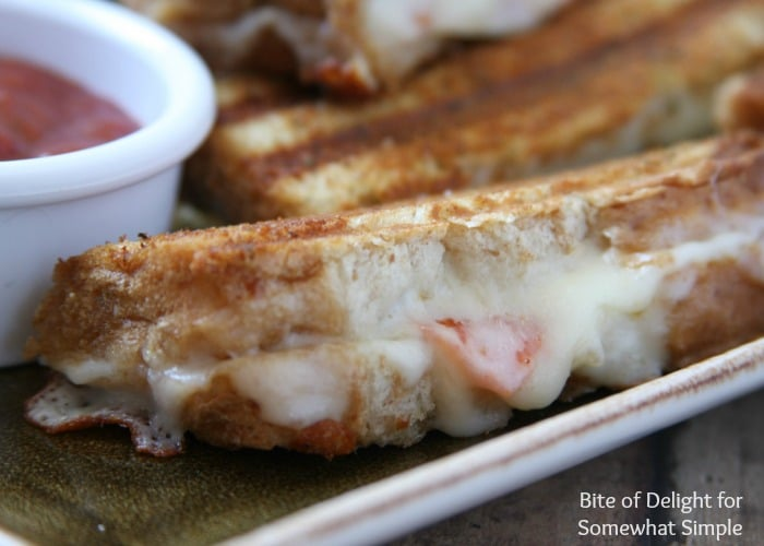 grilled cheese pizza dippers 4