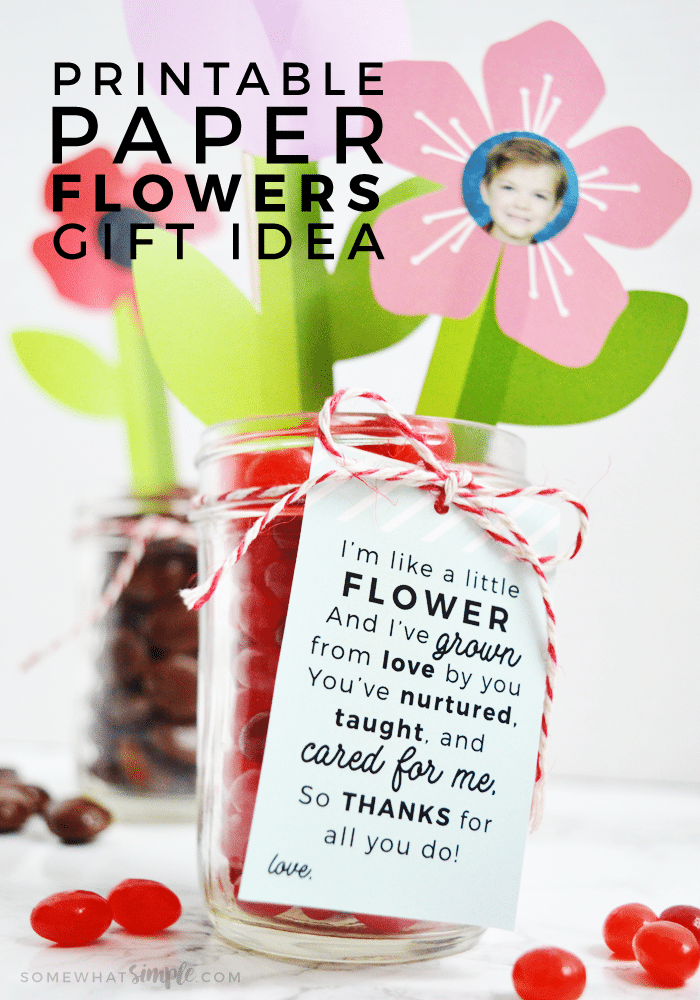 This printable Flower Craft idea is the perfect way to tell someone how much you love and appreciate them! This is such a fun project to do with kids! Perfect for Mother's + Father's Day or bdays, Teacher appreciation, etc.#GiftIdea #MothersDay #Gift #Flowers #Printable #Craft via @somewhatsimple