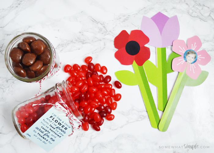 A Darling Flower Craft Gift Idea + Paper Flower Printables