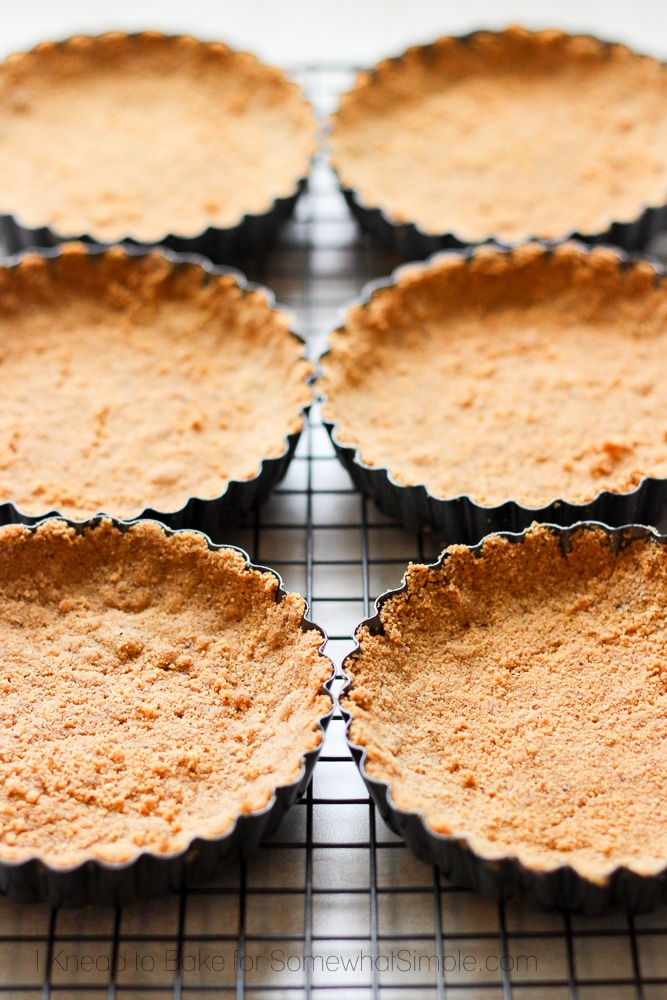graham cracker crust in mini pie tins
