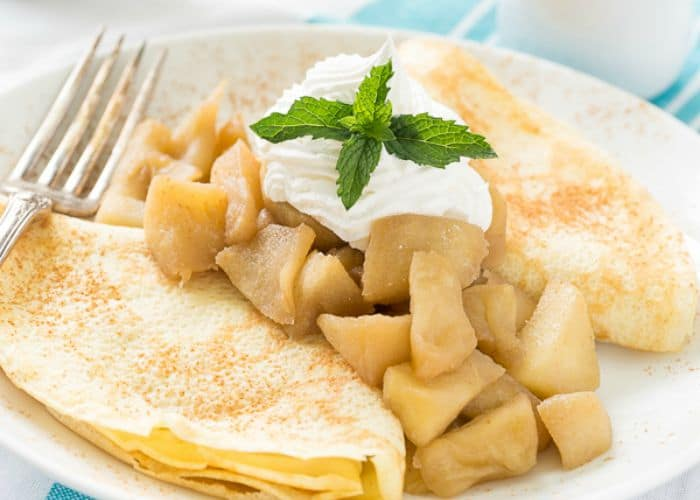 Apple Crepes with Caramal Sauce