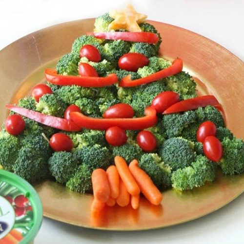 a Christmas Tree Veggie Tray