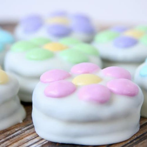 White Chocolate Dipped Oreo Flowers   Easter   Spring