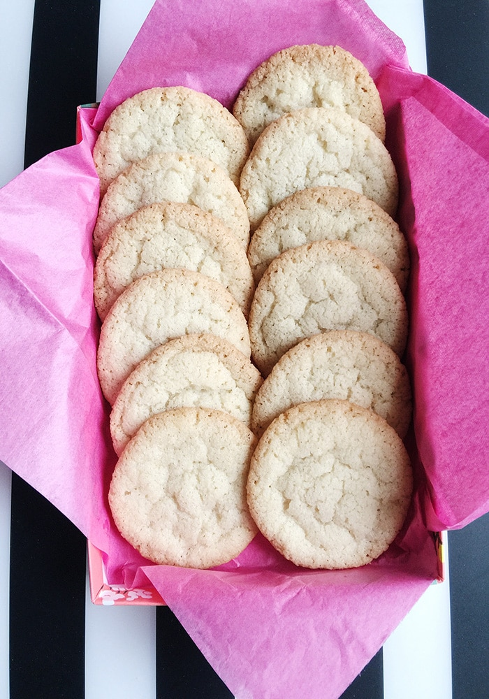 These butter cookie thins are just the right thing to satisfy a cookie craving. Even better, they're really easy to make and you probably already have all the ingredients on hand. via @somewhatsimple