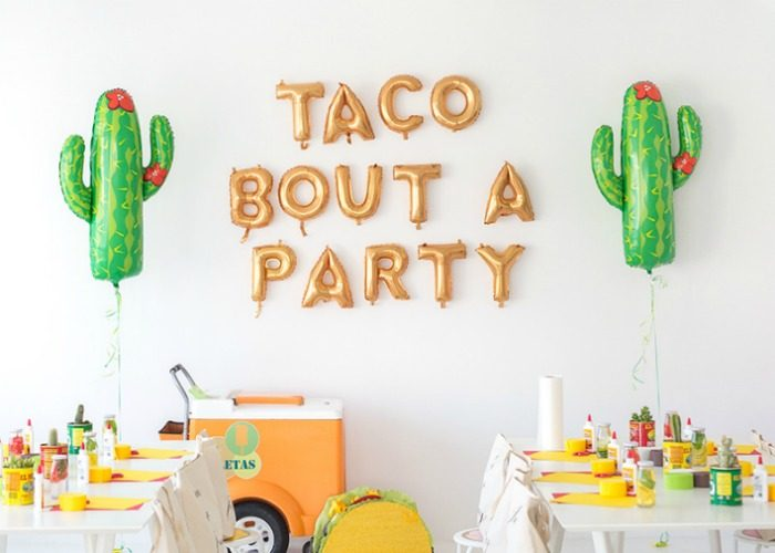 If You Or A Loved One Is Turning The Big 40 Will Need Some Unique 40th Birthday Party Ideas To Celebrate In Addition Crepe Paper Decoration And