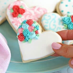 cute heart shaped cookie flowers with flowers