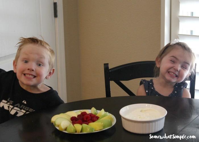 Marshmallow Fruit Dip 4