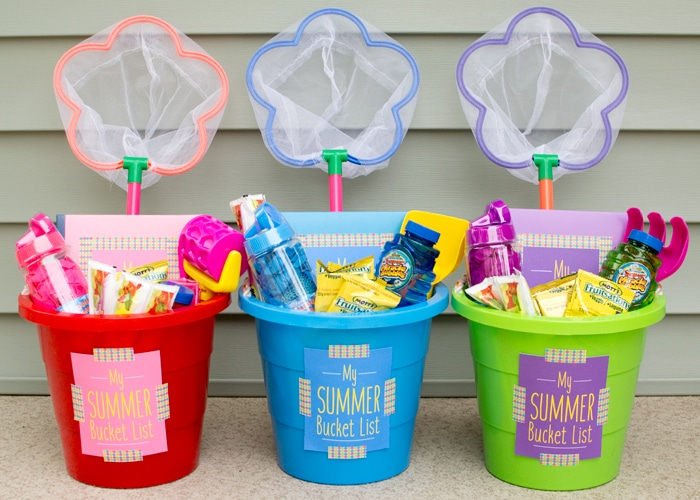 This is an awesome last day of school gift idea for the kids, with a free printable! It's the gift that keeps on giving all summer long, and makes you one fun mama too!