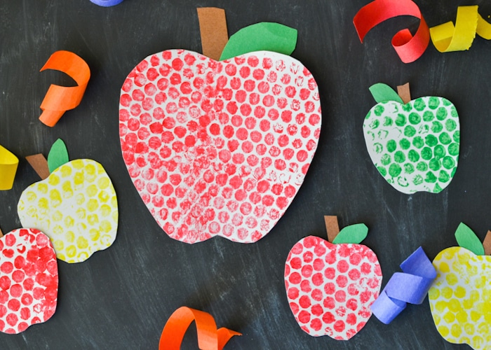 Bubble Wrap Painted Apples-7