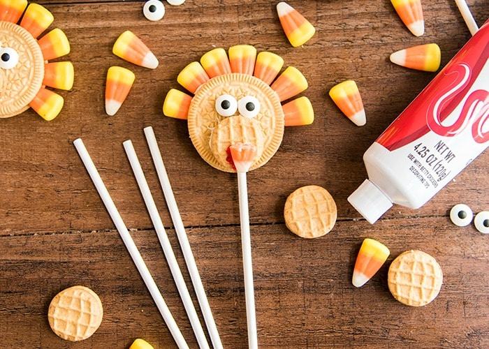 Turkey Oreo Pops | Thanksgiving Fun Activities
