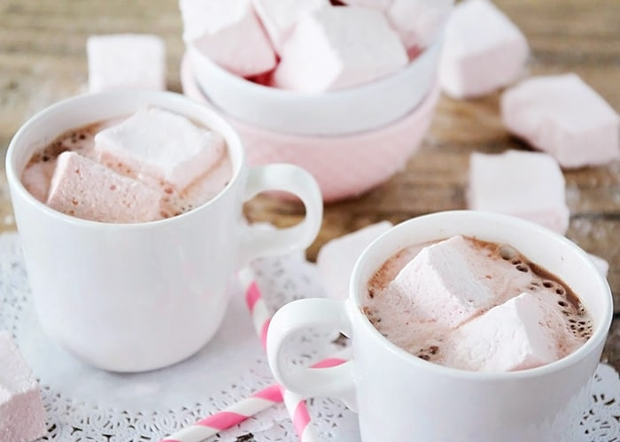 Homemade Strawberry Marshmallows