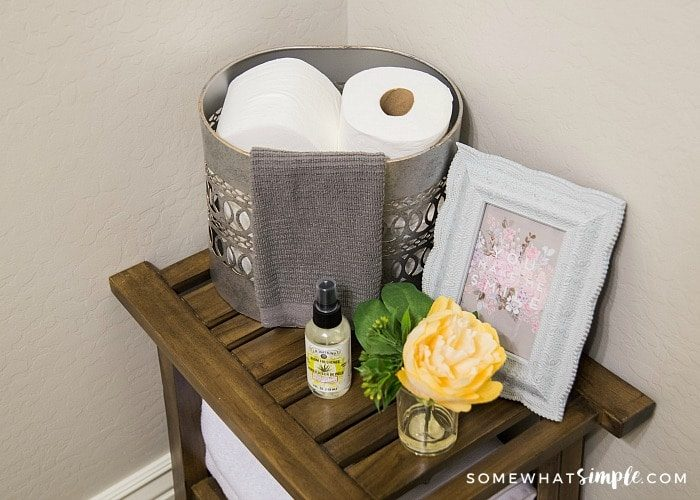 How to Decorate a Small Bathroom – Decor Ideas and Tips