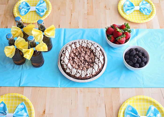 This easy and fun Father's Day dessert table is the perfect way to show Dad you care. Spoil him with an indulgent dessert, fun decorations, and more!