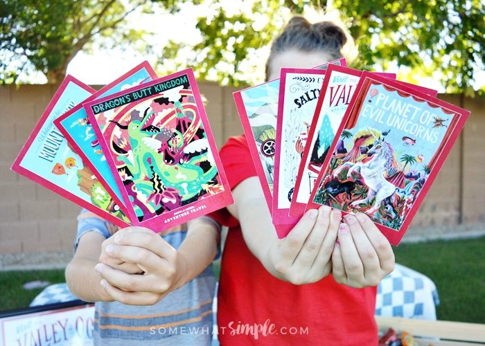Outdoor Puppet Show + Puppet Printables
