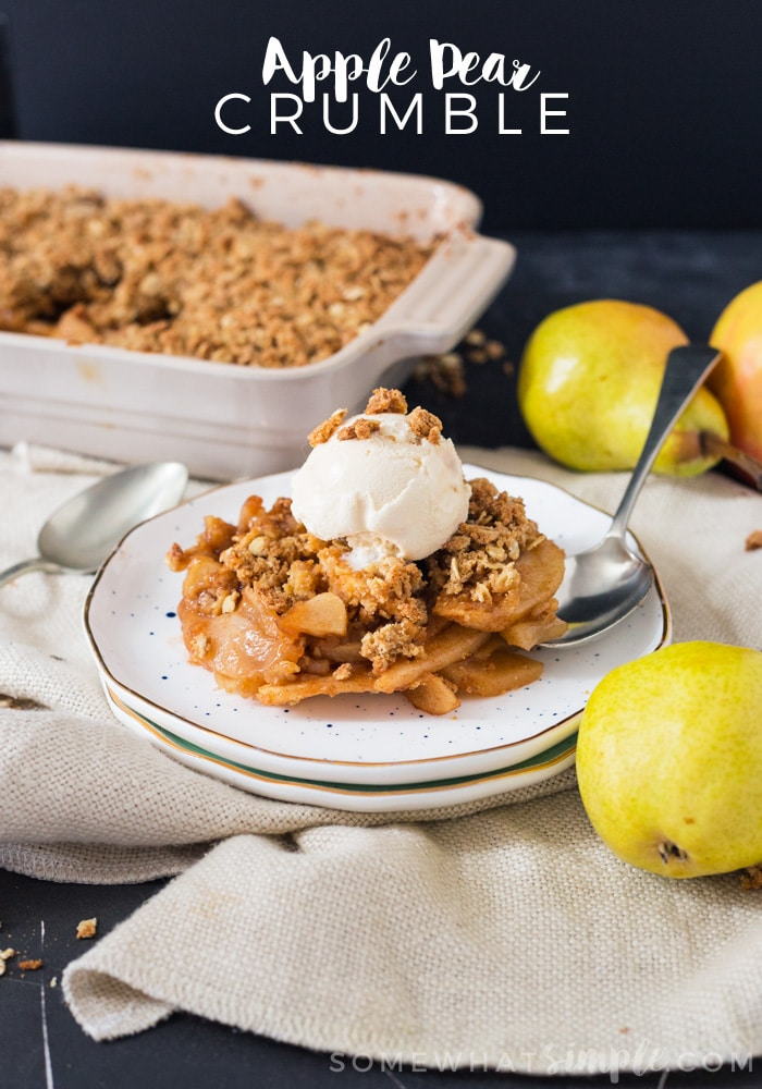 This Pear Apple Crumble is the perfect dessert for those cooler Fall nights! #dessert #fall, #applecrumble via @somewhatsimple