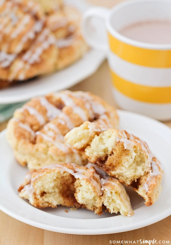 flaky cinnamon roll scones