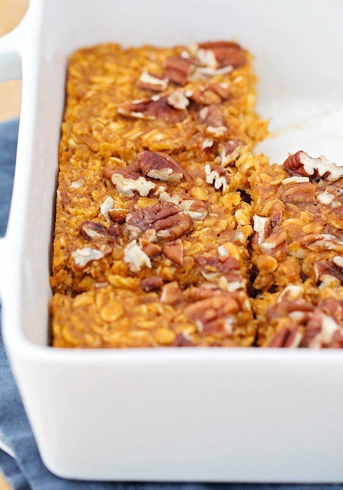 This lightly sweetened pumpkin pie baked oatmeal is the perfect healthy breakfast to start the day! It's easy to make, and tastes great too!